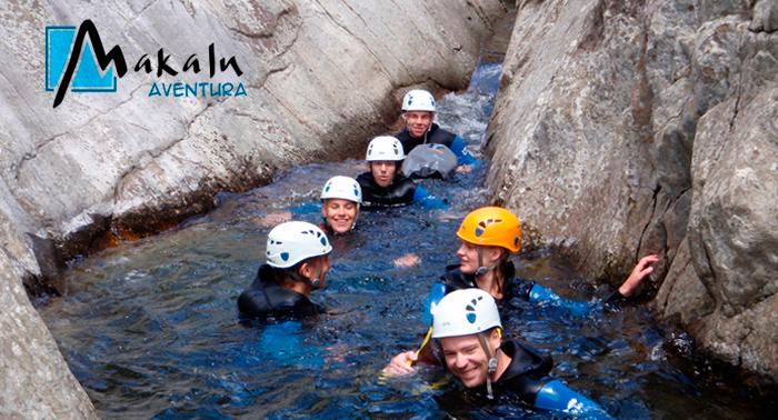 Saborea la aventura y la adrenalina con la jornada de barranquismo en Río Verde