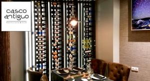 Exclusivo Menú en Casco Antiguo: Bebidas + Entrante + Platos a elegir + Surtido de postres.