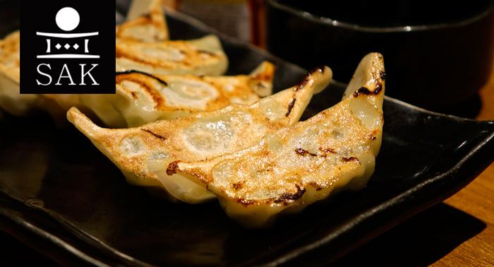 Menú para 2 Disfruta del sabor auténtico oriental o continental en Sak Delicatessen.