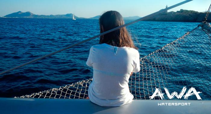 ¡A disfrutar del mar! Navega en un Catamarán durante 1h desde 9€ con patrón y grupos reducidos.