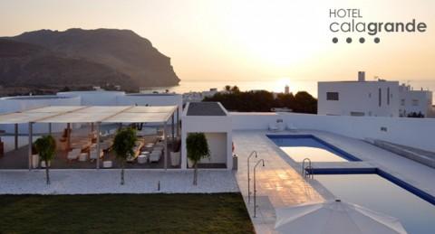 La escapada perfecta: 1 Noche en Hotel Cala Grande**** (Cabo de Gata) + Desayuno + Spa para 2