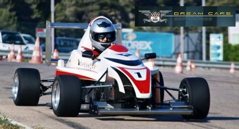 Adrenalina pura: Pilota un Fórmula Ashenkoff, Italia K600T por 25€