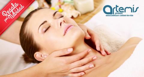 Tratamiento de belleza navideño: Limpieza facial + masaje en rostro + sesión de bio infrarrojos