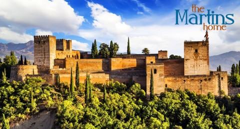 Conoce Granada: 2 noches + visita La Alhambra, Palacios Nazaríes… con guía + tapeo... para 2