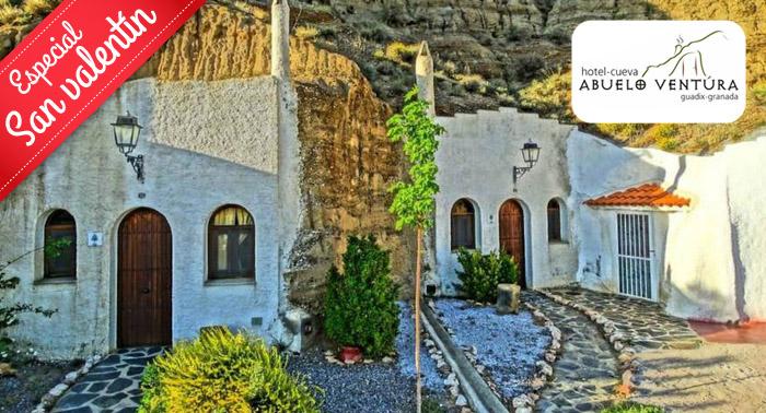 1 Noche Alojamiento en Guadix con area aromatizada en Hotel Cueva  + Cocktail + Cena para 2 pax