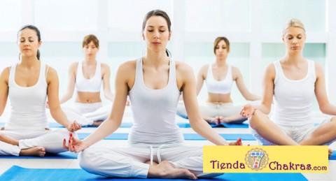Mente Sana, Cuerpo Sano: Clase Yoga + Clase Meditación Budista o Consulta de tarot
