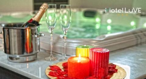 Escapada romántica a Valencia: Noche en Suite con Jacuzzi + Paquete romántico.