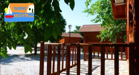 Para 2 personas: 2 Noches en Cabaña de Madera + Actividades: Piragua, Paddlesurf, Hidropedal...