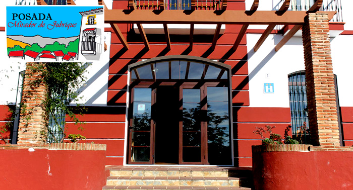 Escapada Malagueña para 2: Alojamiento + Desayunos + Cena + Copa y Tapa de Bienvenida