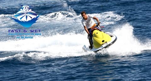 Adrenalina en alta mar. Para 2 personas: 30 minutos en moto acuática + reportaje fotográfico