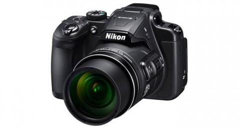 Graba cada instante: Cámara Nikon Coolpix B700 Negra + Funda + Libro