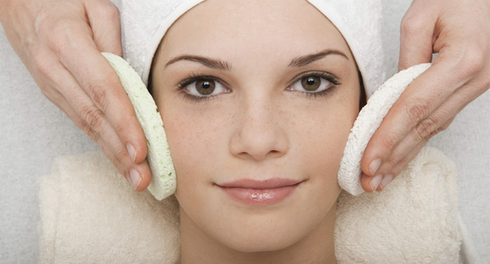 Luce un rostro impecable: Limpieza facial + masaje facial sólo 15€