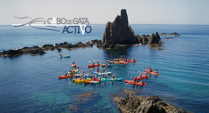 Descubre el Cabo de Gata: Kayak + snorkel + picnic+ Reportaje fotográfico sólo 19€