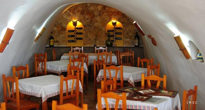 Pasa un fin de semana diferente en una Casa-Cueva y con opción a desayuno incluido