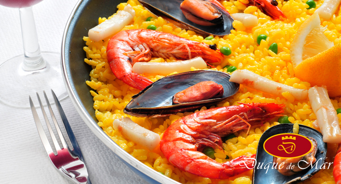 En el Paseo Marítimo de Almería: Arroz con pulpo o Paella y 2 Bebidas, por 7,50€/persona