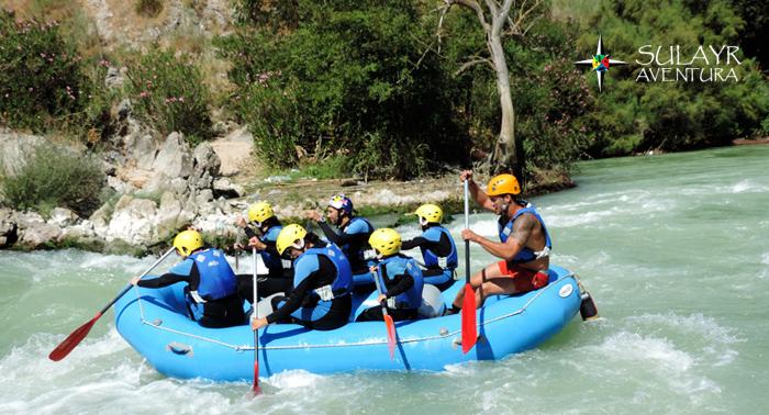 Desafía al río: descenso en Rafting en el río Genil. Coge tu remo ¡y acepta el reto!