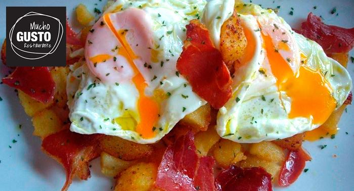 Elige tu menú:Ensalada de rulo de cabra o ración de huevos estrellados, bebidas, tapas, postres