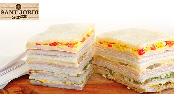 Delicioso plan para tomar o llevar: 4 sándwiches triples especiales + 2 bebidas