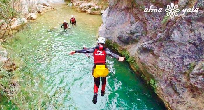 Aventura al máximo!!!  2 actividades: Barranquismo + Cueva, vive una experiencia única.