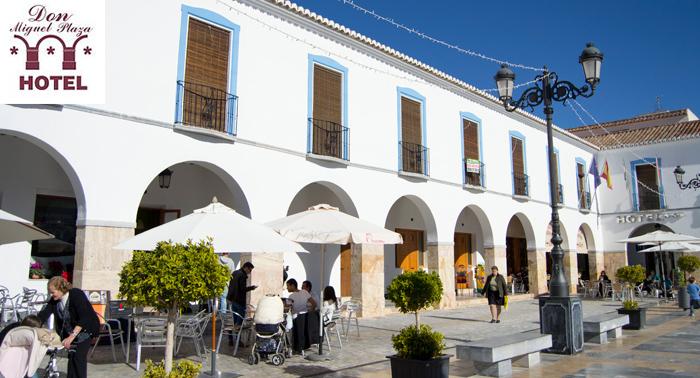 Descubre la Almería rural: 1 o 2 noches Alojamiento para 2 personas con desayunos y cenas