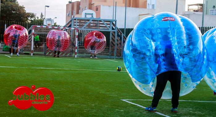 Choques, diversión y hambre de gol...esto es...FÚTBOL BURBUJA!! (Juego en césped + Vídeo GoPro)