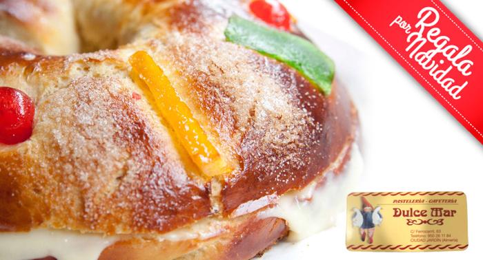 Roscón de Reyes hecho en el día de Pastelería relleno de nata, crema o trufa