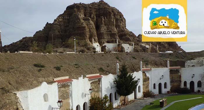 Noche de Alojamiento en Hotel Cueva + Cena en Guadix para 2 personas!