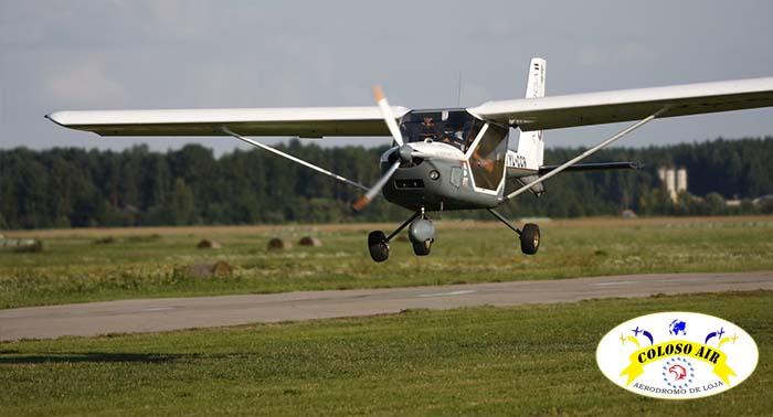Vive la auténtica sensación de volar con este Vuelo en Ultraligero, para 1 ó 2 personas.