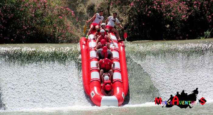 ¡Adrenalina en el Río Segura! Banana-Rafting con Almuerzo y Fotos