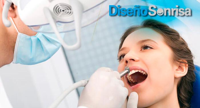 ¡Una sonrisa de película! Revisión + Limpieza + Fluorización + Radio Diagnóstico