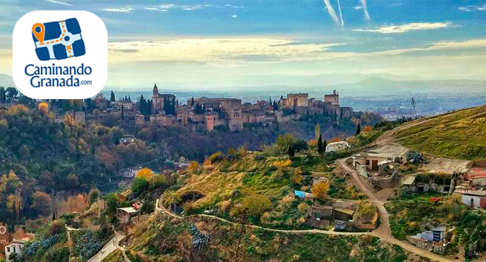 Déjate hechizar por Granada: Elige entre 3 rutas guiadas caminando y descubriendo la ciudad