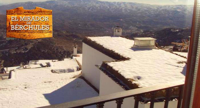 Alojamiento en la Alpujarra para 2 personas con desayuno + visita a ganadería con opción a MP