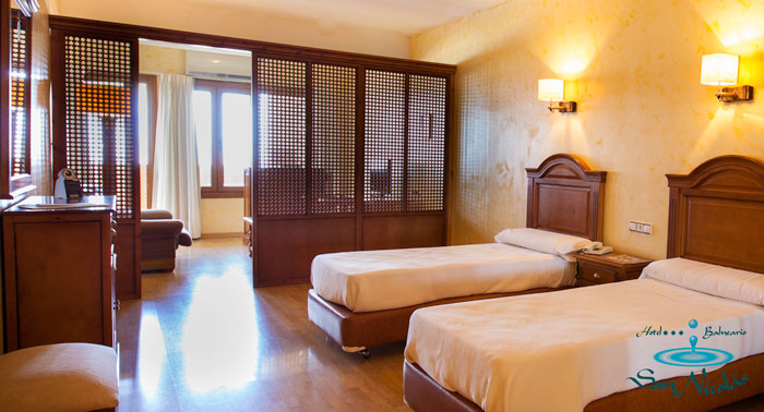 Escapada para 2 al Balneario de Alhama de Almería: Alojamiento + Desayuno + Piscina Termal