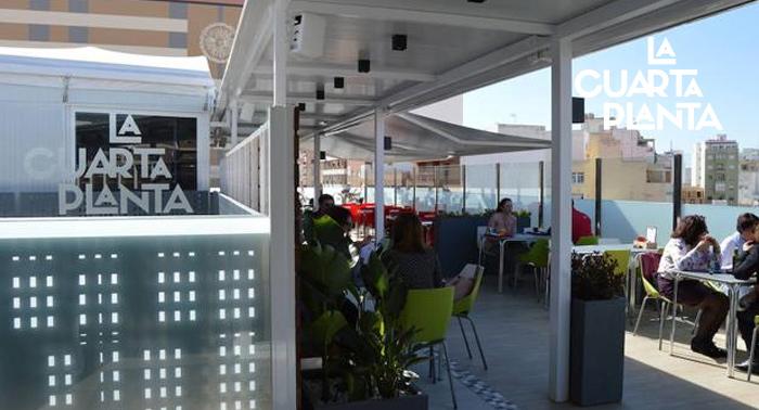 Menú Fusión con vistas para 2 en La Cuarta Planta del EMMA: Entrante + Principal + Bebidas 15€