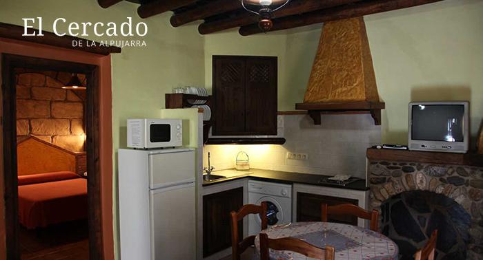 Escapada Rural Gourmet a la Alpujarra para 2: Alojamiento + Circuito Spa + Desayuno o Menú