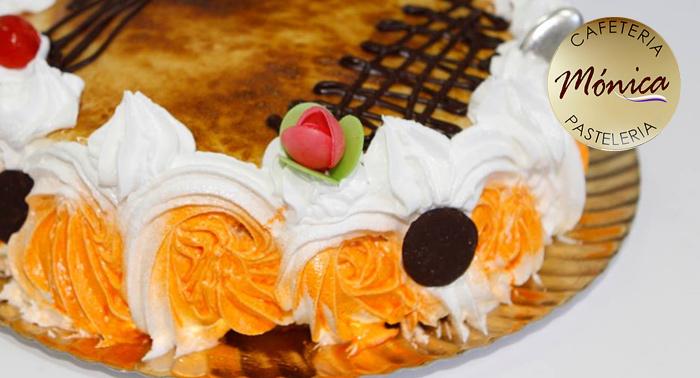 ¡Disfruta de una merienda muy dulce! Elige entre una bandeja de pasteles o una deliciosa tarta