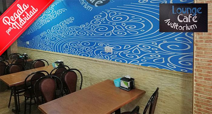 ¡Plan perfecto en Roquetas! Menú a compartir para 2 personas en Lounge Café Auditorium