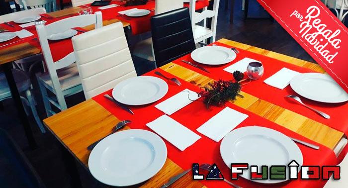 La Fusión Restaurante: Menú para 2 con Entrante, Principal y Bebidas en el Puerto de Aguadulce
