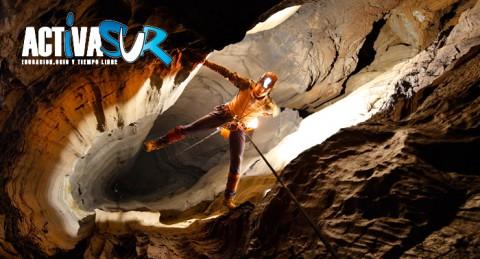 ¡Explora la Granada subterránea! Espeleología para 1 o 2 pax en la Cueva de las Latas en Nívar