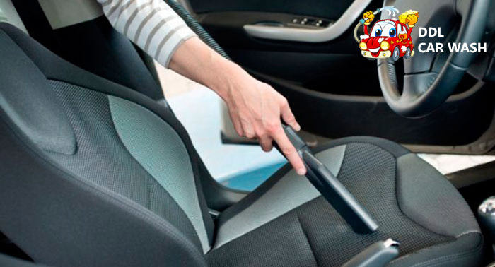 ¡Deja tu coche impecable! Lavado Interior + Exterior con Cera Líquida o Sólida + Tapicería