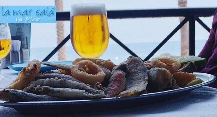 Todo el sabor del mar: Fritura de Pescado del día + 2 Bebidas en La Mar Salá Fish & Beer