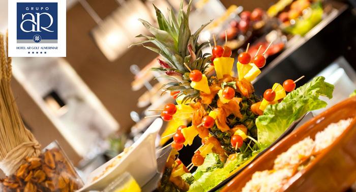 ¡Celebra un amor de 5 Estrellas! Alojamiento con Desayuno Buffet en vivo + Spa + Cava