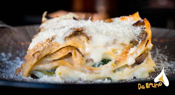 Menú Italiano para 2: Ensalada + 2 Pizzas, Canelones, Pasta o Lasagna + 2 Bebidas o Lambrusco