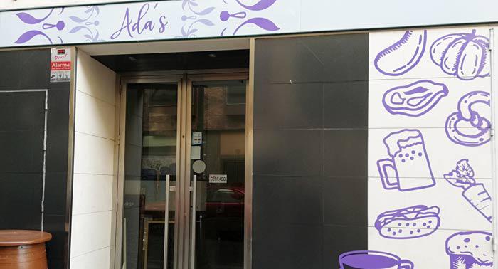 Sabroso Menú Venezolano para 2 con opción vegana en Ada's Café Bar, en el centro de Almería