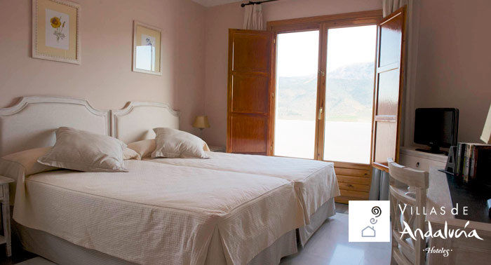 Escapada en pareja o familiar a La Alpujarra: 2 Noches + Desayuno Buffet + Cesta Bienvenida