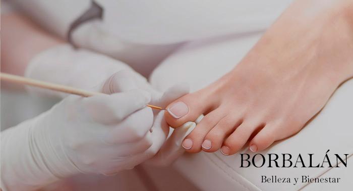 Luce unos pies bonitos: Pedicura con opción a Peeling + Mascarilla en Estética Borbalan