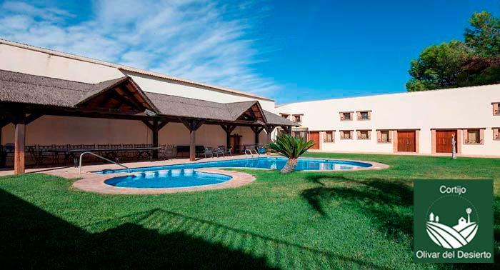 ¡Lujosa Escapada Rural! 2 o 3 Noches de Alojamiento en Cortijo Olivar del Desierto