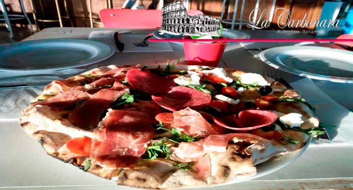 ¡Descubre la Auténtica Italia! Pizza + Bebida en La Carbonara de Almerimar