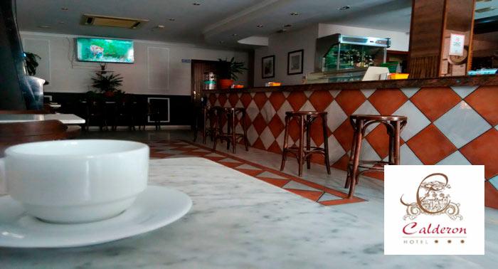 Escapada para 2 personas a Granada: 1 o 2 Noches + Desayuno en Hotel Calderon