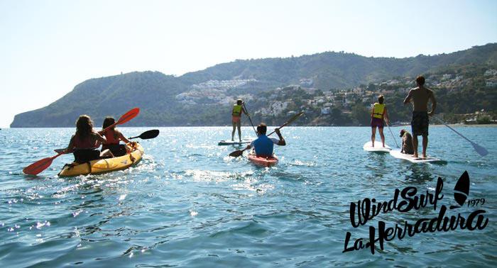 ¡Disfruta de las aguas cristalinas! Excursión Guiada en Kayak por La Herradura